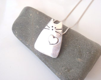 Cat Jewelry Unique Cat Pendant of Pure Silver with a Sweet Heart