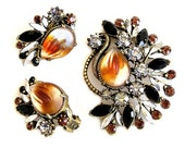 Florenza Molded Art Glass Brooch And Earring Set Demi Parure