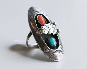 1950s shadow box ring with coral and turquoise / vintage Native American 50s large sterling silver oval stone ring with feather size 6