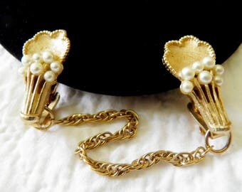 Vintage 1950s Gold Sweater Guard Faux Pearls