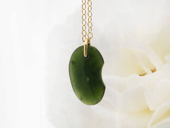 Antique Jade Pendant | Victorian Lucky Bean Fob Pendant | Bean Shaped Nephrite Jade  Pendant Necklace | Antique Jewelry - Fine 18 Inch Chain
