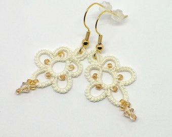Ivory Lace Earrings-Tatted Lace-Flower Earrings-Botanical Earrings-Flower Beaded-Lace Drops-Prom Romantic-Lightweight Night Out Earrings