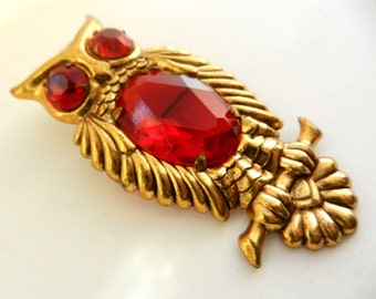 1940s Vintage Owl Red Glass Rhinestone Gold Tone Brooch Pin -  large belly red stone-- Collection animal figure brooch/pin - Art.726/3--
