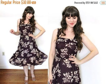 ON SALE 70s Dress / 1970s Plum Purple Floral Boho Sundress