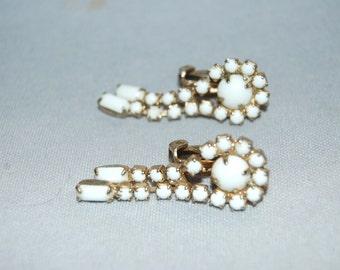 Vintage / Earrings / Milk Glass / White / Drop / Jewellery / Old Jewelry