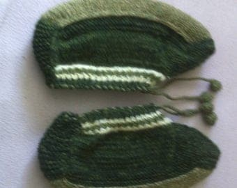 Slippers women's of  wool. Hand-knitted .