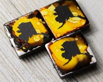 Alcohol Ink magnet - Ceramic tile art -  Alaska decor - Alaska magnet - Stocking stuffer - State of Alaska - Miniature art - Gift for mom
