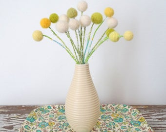 Yellow and White Pom pom Flowers - Felt Flower Bouquet - Daffodils, Spring Flowers - Dandelions, Craspedia, Billy Buttons - Wool Felt Balls