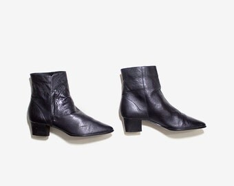 Vintage Ankle Boots 7 / Black Leather Boots / Ankle Boots Women / Cuffed Ankle Boots