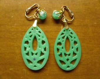 Vintage 1960's Dangling Earrings