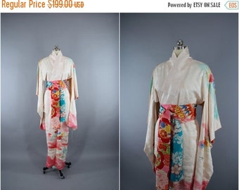 SALE - 1960s Vintage Silk Kimono Robe / 60s Silk Dressing Gown Wedding Lingerie / Art Deco / White Ombre Pink Clouds Floral Embroidery