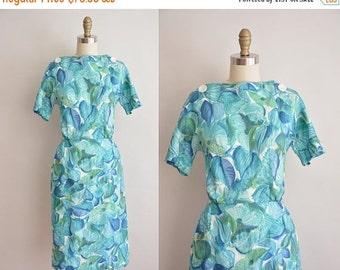 25% off SHOP SALE... vintage 1960s dress / 60s cotton floral dress / 60s wiggle dress