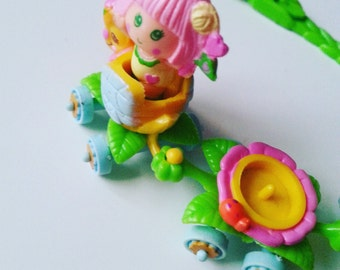 Sweet Bea & Honey Bee, train, Charmkins, hasbro, vintage toy, complete, with necklace,1984, 80s, by NewellsJewels