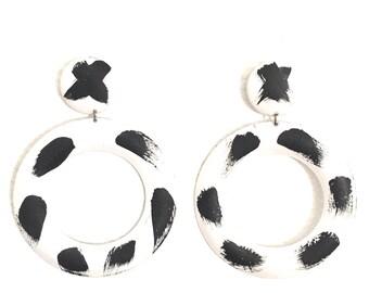 Black And White Hoop Pierced Earrings Painted Metal 80's Large Hoops