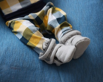 Baby Shoes - Baby Booties - Toddler Shoes - Crib Shoes - Soft Sole - Baby Girl Booties - Baby Boy Booties- Grey