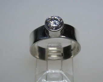 Sparkling Bezel Set Premium Cubic Zirconia CZ Sterling Silver Band Ring Size 8