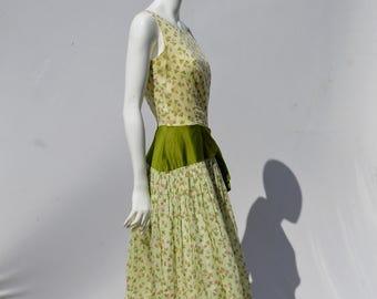 Vintage 50's novelty print dress floral Umbrellas Jeannette Alexander of california size 8 by thekaliman
