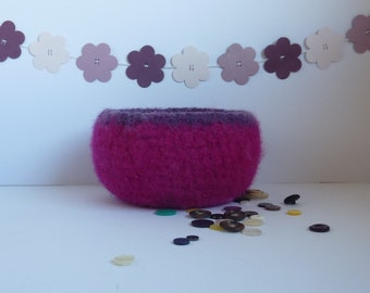 FELTED 'FUSSPOT' bowl/ pod . ' Pink Crush'  ( hot pink with dark purple edge)  ....UK seller..ready to ship......
