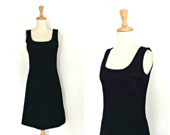 1960s Dress - black jumper dress - wiggle dress - shift - sheath - lbd - fall fashion - wool dress - S M