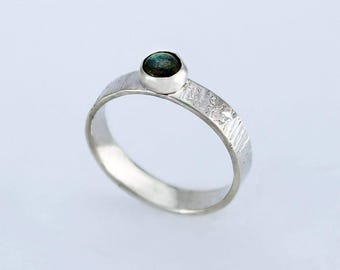 Size 7.5 Ring Handcrafted Sterling Silver and Labradorite Natural Stone Cabochon Contemporary Artisan Jewelry Design 0995A000071316