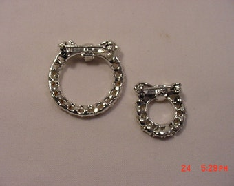 Two Vintage Rhinestone Bow Wreath Brooches Or Scatter Pins  16 - 657