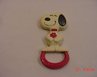 Vintage 1970's Snoopy Peanuts Gang Baby Rattle   16 -808