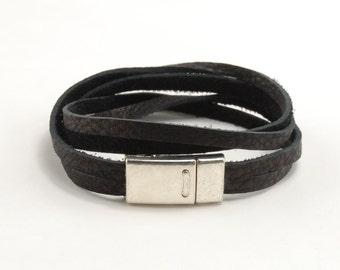 Double Wrap Bracelet with Magnet Clasp - Black