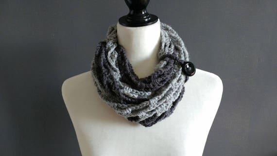 Margrit scarf - crocheted infinity scarf in light + dark grey [vegan]