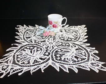 Antique Handmade Lace Doily Centerpiece Tape Lace 18 Inches
