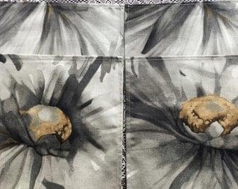 Napkin Set #1700, Four Matching Cloth Napkins,  Cloth Napkins, Fabric Napkins, Table Napkins, Dinner Party Napkins, Floral Napkins, Table