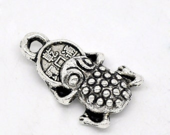 5 Little Antique Silver Money Frog Pendant Charms 17mm