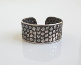 925 Sterling Silver Ring - Nice Texture, Vintage Adjustable
