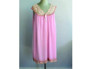 1960s Berkliff Pink Nightgown XL