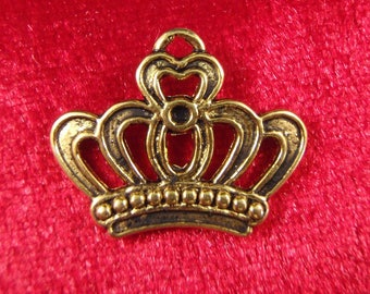 20 gold crown charms pendants princess prince king queen hearts fairytale storybook 22mm x 18mm- C0332-20