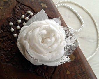 Bridal Hair Flower, Floral Hairpiece, Bridal Fascinator, Feather Fascinator, Bridal Lace Headpiece, White Hair Flower