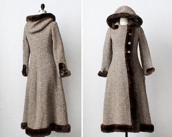 Vintage Wool Coat XS • Hooded Coat • Princess Coat • 70s Coat • Wool Coat Hood • Tweed Coat • Winter Coat • Faux Fur Coat  | O282