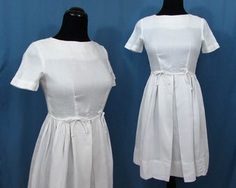 1960s white cotton Dress - Lg Girls, Sm Juniors full skirt dress, fitted high waist bodice, white pique