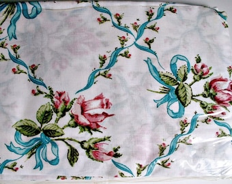 Vintage Pillowcases Roses Pair in Package Vintage Rosebuds and Ribbons Flowers Floral New Old Stock West Point Pepperell Made In USA
