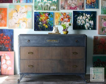 SALE!! Absolutely Beautiful Solid Wood Dresser