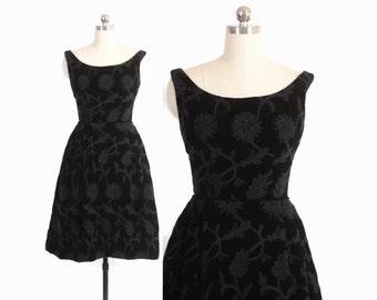 Vintage 50s PARTY DRESS / 1950s Black Velvet Embroidered Floral Full Skirt Cocktail Dress XS