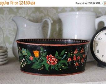 SHOP SALE Vintage Handpainted Tole Bowl