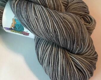 STAPLE Superwash merino worsted yarn, Silver Lining