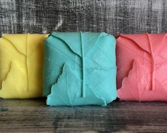 10 Large LEAF Soap Favors: Bridal Shower Favors, Baby Shower Favors, Birthday favors, Leaf Favors, Wedding Favors, Baby Sprinkle, Fall Favor