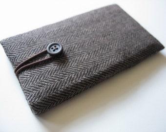 Google Pixel sleeve cover case herringbone fabric XL sleeves covers cases holder bag wallet pouch tweed men gift mens brown black minimalist