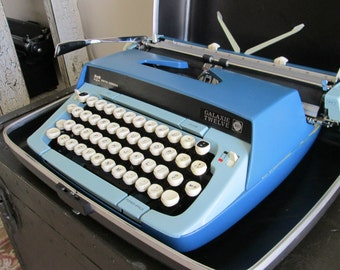 Vintage Portable Manual Typewriter | 1960s Smith Corona Galaxie Twelve | Two Toned Blue | Includes Lockable Case with Original Key
