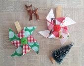Vintage Santa Fabric Pinwheel Clips Set of 2 Gift Wrap Accessory Desk Organizer