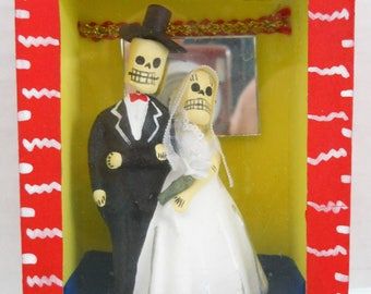Hand Painted Day Of The Dead Clay Groom & Bride In Glass/Wood Box