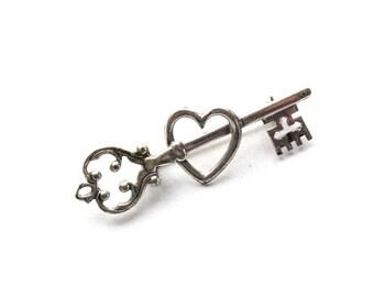 Vintage Brooch . sterling silver heart brooch . sweetheart pins .  vintage key to my heart . silver brooch pin . sweetheart jewelry