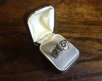Vintage English Brown Ring Box Jewellery Jewelry Presentation Gift Case Worn Old circa 1950-60's / English Shop
