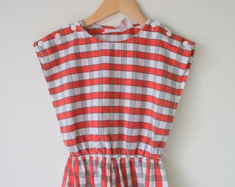 1960s Vintage SCOOTER Girls Jumper Dress...size 6 7 8 girls..kids. children. medium kids. vintage kids. retro. twiggy. retro. checkered